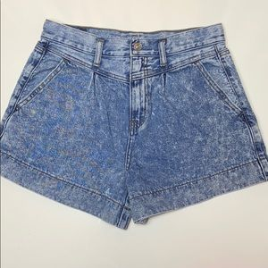 American eagle high waisted 80s style mom jeans